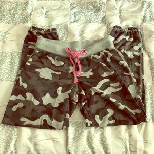 LIKE NEW, GIRLS CAMO SWEAT PANTS